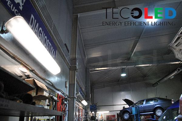 Lampy przemysłowe LED zastosowane w projekcie oświetlenia stacji serwisowej PEUGEOT Garwolin, Polska.
